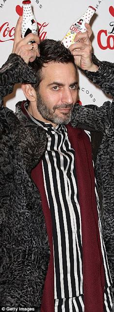 Marc Jacobs lebukott! Egy 750$ Marc Jacobs táska miatt rúgták ki az amerikai divatszerkesztőt?