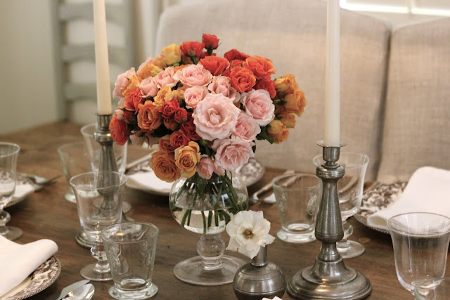 Valentines Day At Trader Rose >> Jenny Steffens Hobick: Valentine's Day Dinner Party Table Setting | Coral, Orange & Pale Pink Roses