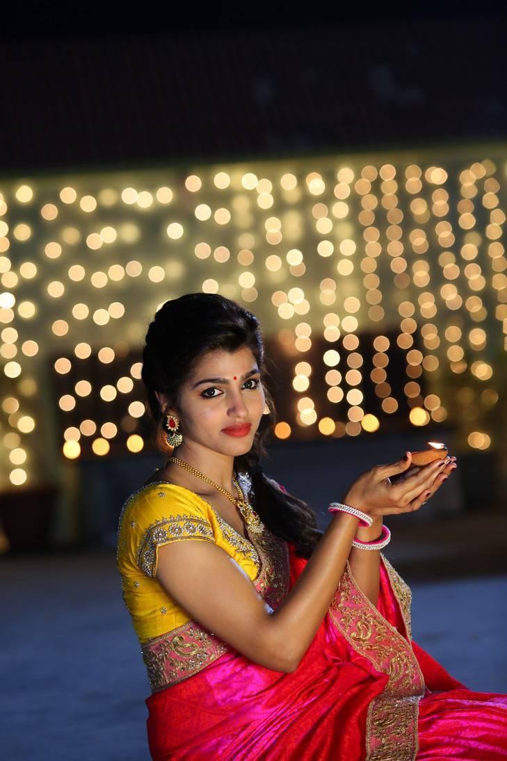 Sai              Dhansika In Red Saree