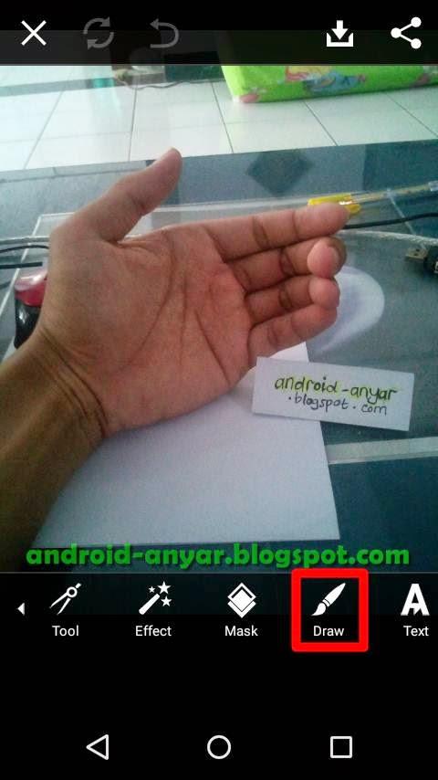 Foto Tangan Genggam Smartphone