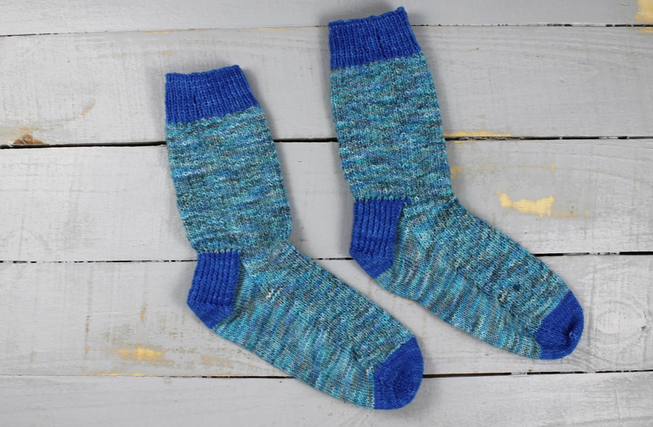 b6864f9c3b6 Pattern  Hermione s Everyday Socks by Erica Lueder (Free on Ravelry) Yarn   Unidentified scraps from my stash