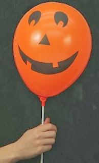 http://lasmanualidades.imujer.com/2010/10/22/decoracion-para-halloween-con-globos