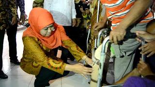 Kunjungi Lansia Dan Kaum Disabilitas Di Kabupaten Pekalongan, Menteri Sosial Bagi-bagi Bantuan