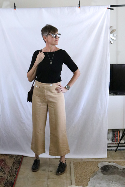 khaki cropped high waist ootd