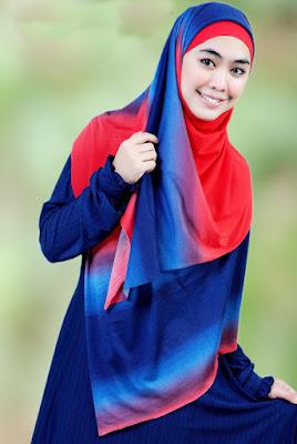 Oki Setiana Dewi pakai produk Hijab Pelangi cewek cantik model hijab besar kaka dari ria ricis