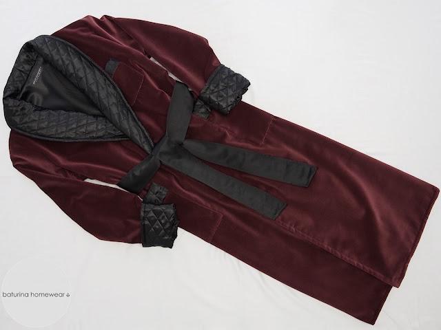 exklusiver samt herren luxus hausmantel rot weinrot dunkelrot schwarz gesteppt satin seide lang gefüttert eleganter morgenmantel englisch