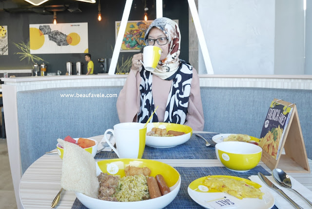 Sarapan di Yello Hotel Harmoni Jakarta