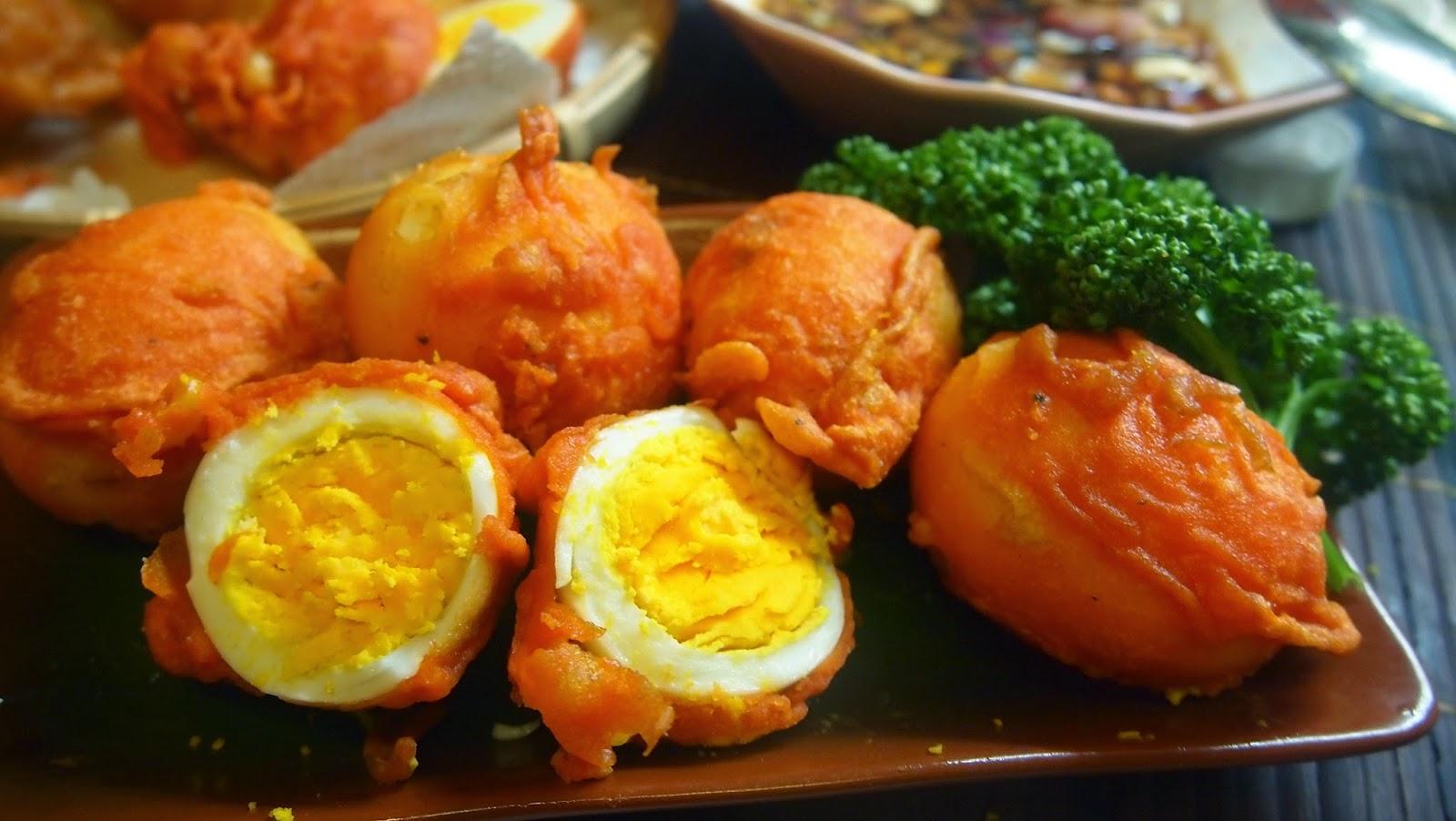 Kết quả hình ảnh cho Trứng cút chiên Kwek Kwek