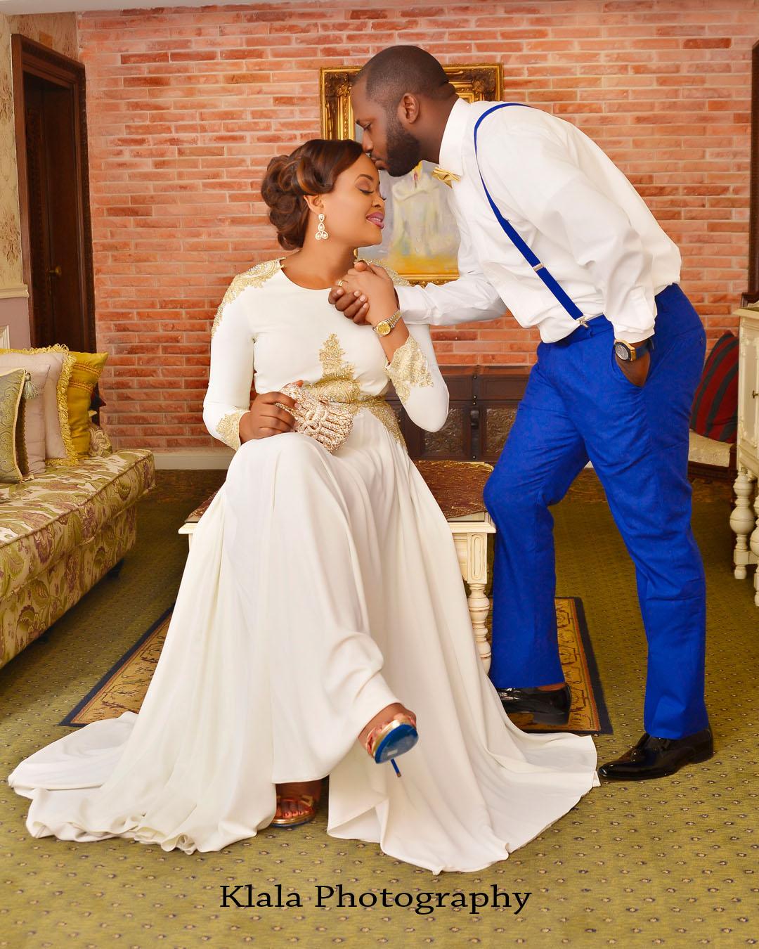 Wedding Family Shot List: Beautiful Family Mark 10th Year Wedding Anniversary With