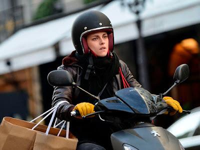 Traíler de la película de terror 'Personal shopper', con Kristen Stewart