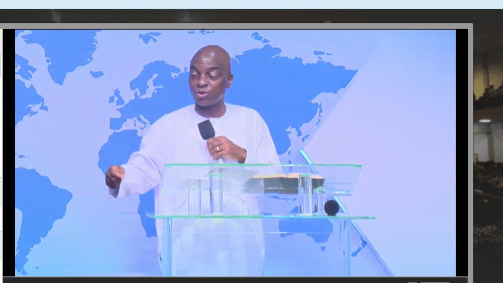 Bishop David Oyedepo addresses ministers at the ongoing