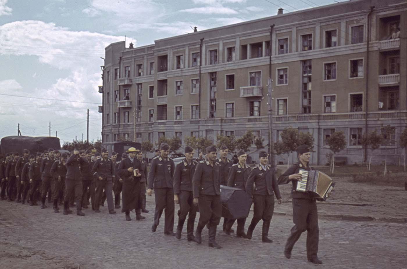 Funeral de un aviador alemán, Jarkov.