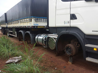 Ladrões roubam 16 pneus de uma carreta,próximo à Grajaú