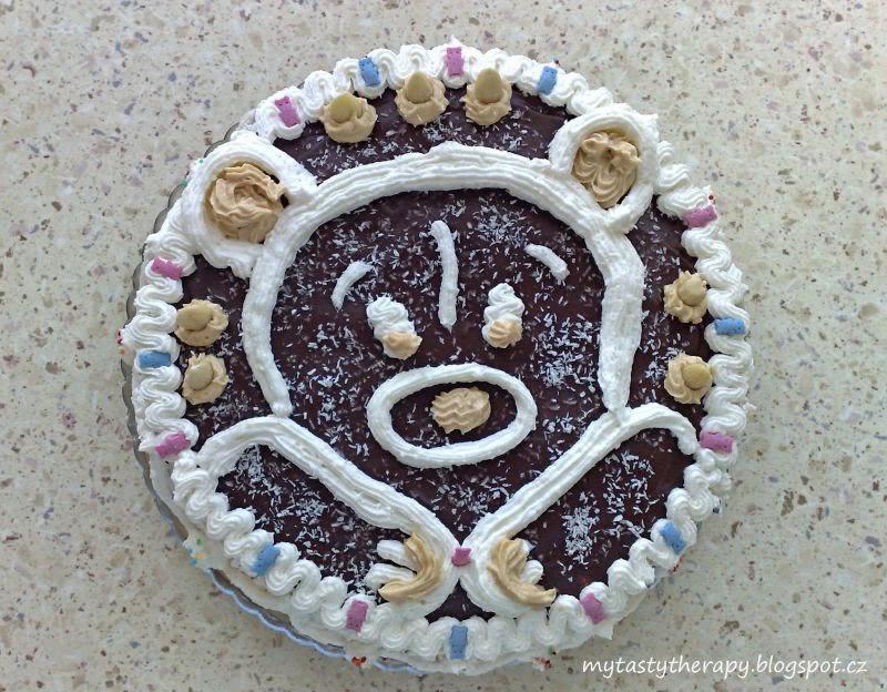 kulatý dort s obrázkem medvídka