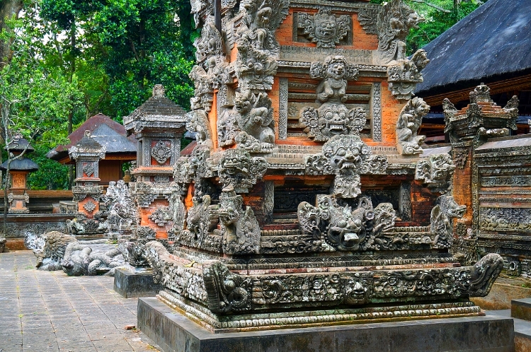Euriental | fashion & luxury travel | Ubud, Bali monkey forest
