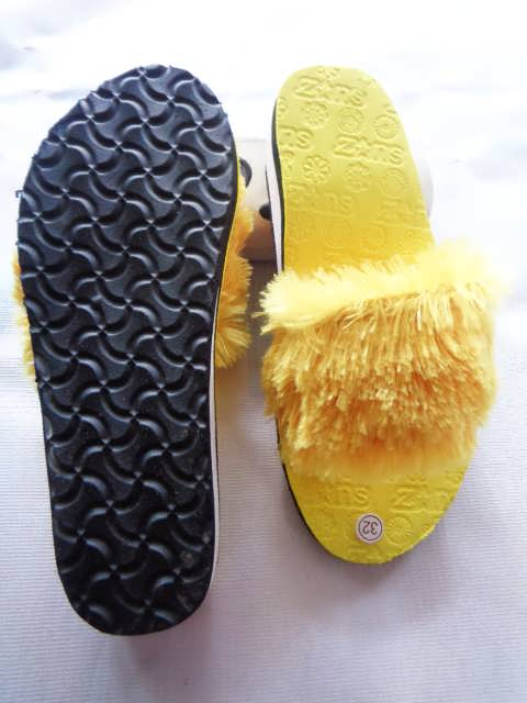 Grosir Wedges Slop Bulu TG - Pabrik Sandal Jepit Murah