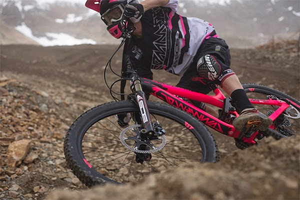 2015 Commencal Meta SX Preview