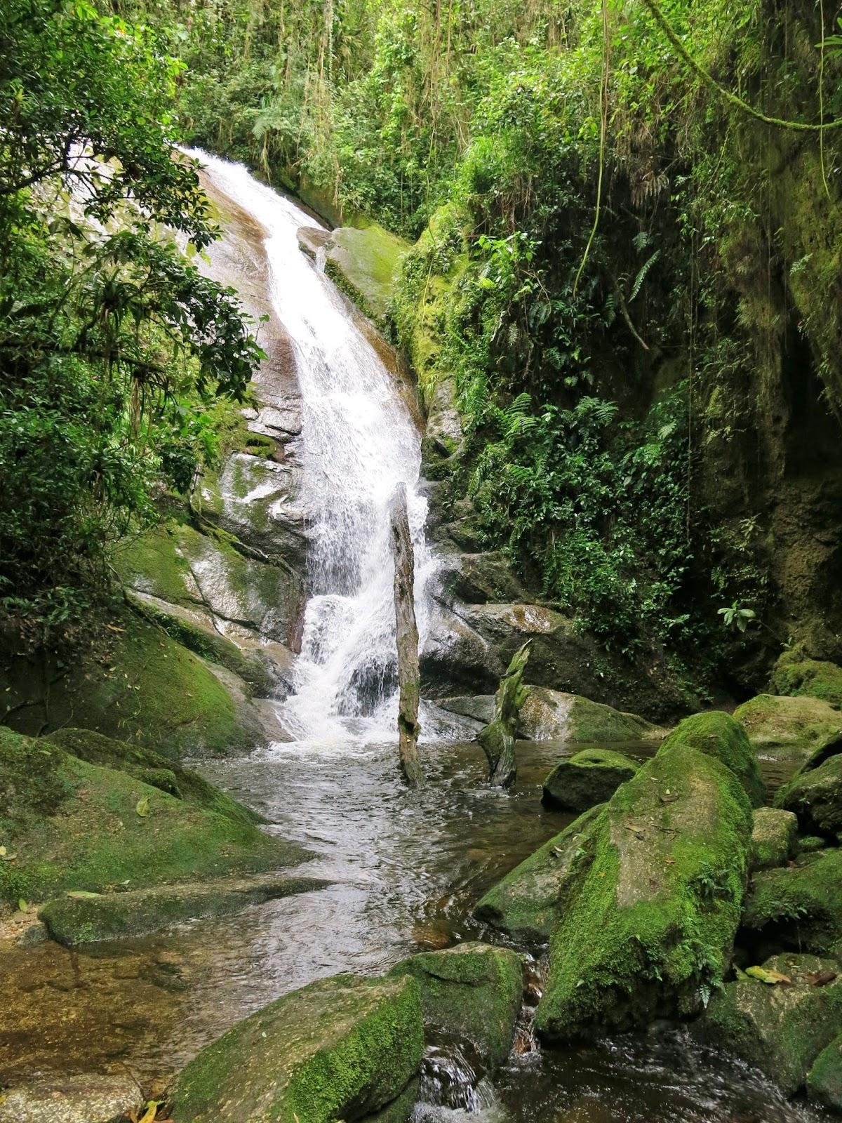 Cachoeira da Gruta do Granito, no Vale do Alcantilado, em Visconde de Mauá.