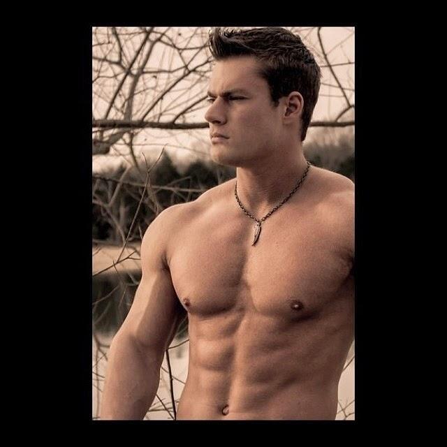 Daily Bodybuilding Motivation: Fitness Model Joshua Scott