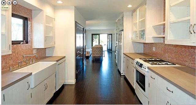 Design Interior Dapur Klasik Modern untuk Keluarga Besar