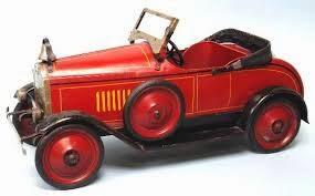 Un auto retro de juguete
