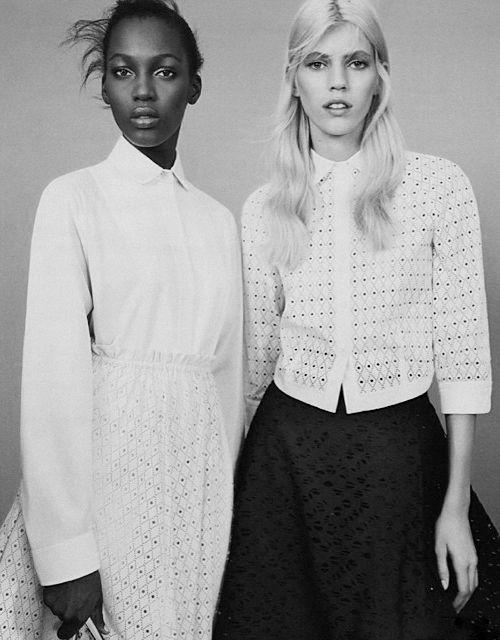biała koszula, Carolina Herrera, inspiracje, jak nosić, klasyka, koszula, must have, porady stylisty, inspiracje modowe, modne trendy, jak nosić białą koszulę
