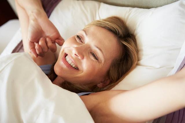Cara Ampuh Agar Wajah Tidak Berminyak Saat Bangun Tidur