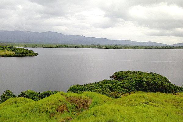 Wisata Alam suwoh di Lampung Barat yang Menantang,Danau Lebar Suoh