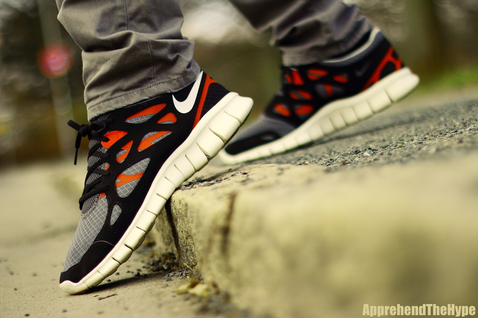 apprehend the hype: Nike Free Run +2 Black Red Grey