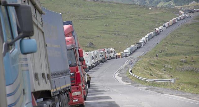 Importadores de trigo bloquean rutas en Georgia