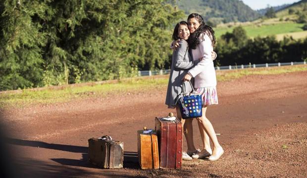 Gianna y Fiorella Bianchi, protagonizado por Ela Velden y Livia Brito, respectivamente, en la telenovela mexicana Muchacha italiana viene a casarse, de Televisa | Ximinia