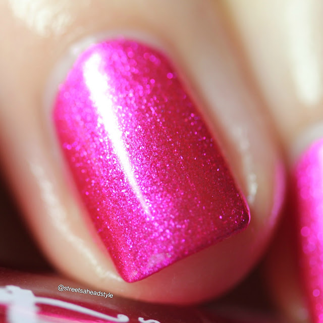 Girly Bits Slushie Lips & Tips swatch
