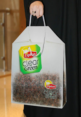 Green Pear Diaries, diseño, packaging, bagvertising, bolsas creativas, Lipton