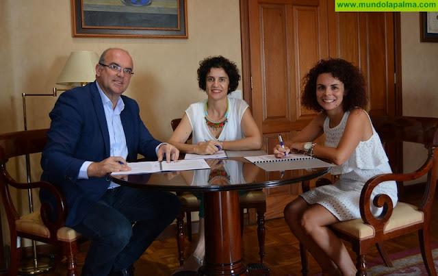 El Cabildo y Funcasor suscriben un acuerdo para mejorar la calidad de vida de personas con discapacidad auditiva