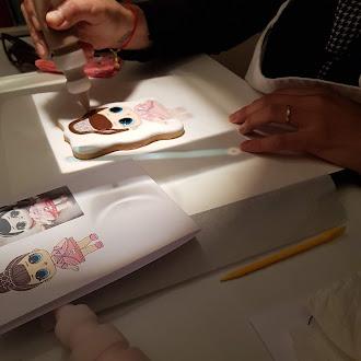 Desenhando Personagens...