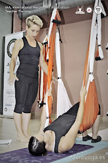 regresa-barcelona-la-formacion-aeroyoga-aero-yoga-pilates-aereo-fitness-aerial-airyoga-trapeze-columpio-swing-air-aerien-fly-flying-deporte-ejercicio-instructor-maestros-profesores-seminario-talleres-clases-barcelona-girona-tarragona-lleida-andorra