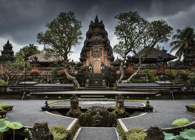 Ubud Saraswati Temple - Best Bali Holiday Tour Packages
