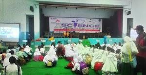 Saya Diundang Jadi Juri Lomba Storytelling Se-Tangerang Selatan Pada Lomba Science League 2017 Di SMP Pembangunan Jaya, Bintaro, Tangerang Selatan