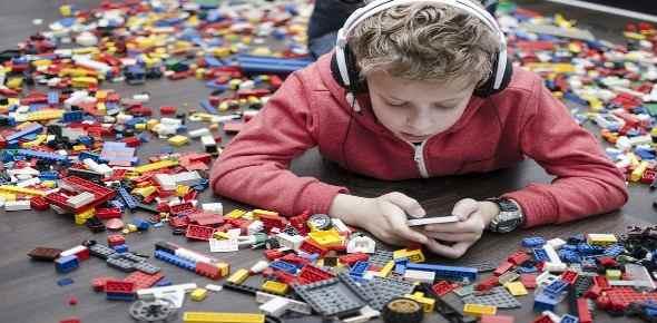 materialistic children