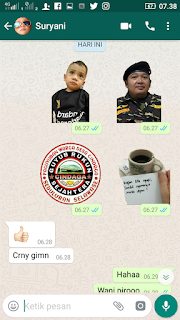 Contoh stiker custom WhatsApp