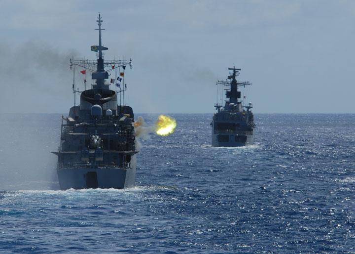savaş gemisi resimleri