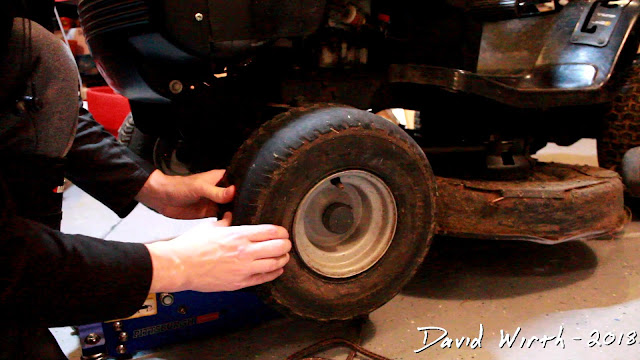 riding lawn mower tire won't fill up with air, seal with rim
