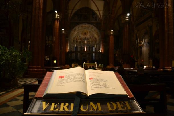 Duomo di Verona, Italia. Viaja et verba