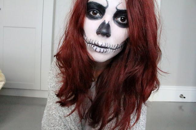 skull girl makeup, halloween makeup, claire's, red hair, blog, tuto, skull makeup, skull girl, enjoyk,