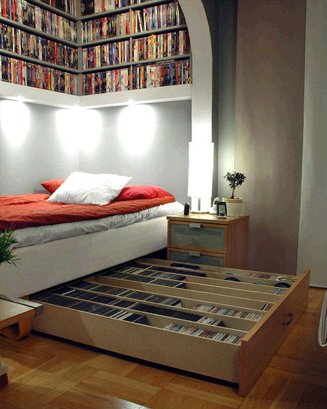 Small Space: Super Bookworm Girl: Small Space Big Ideas