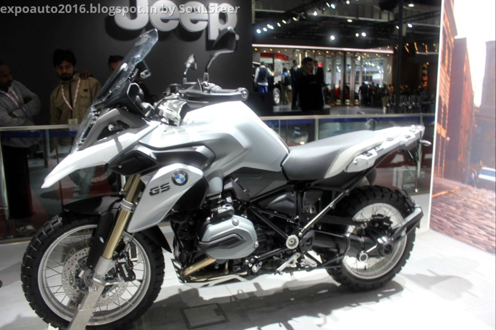 auto expo 2016soulsteer: bmw motorrad displays s 1000 xr and r