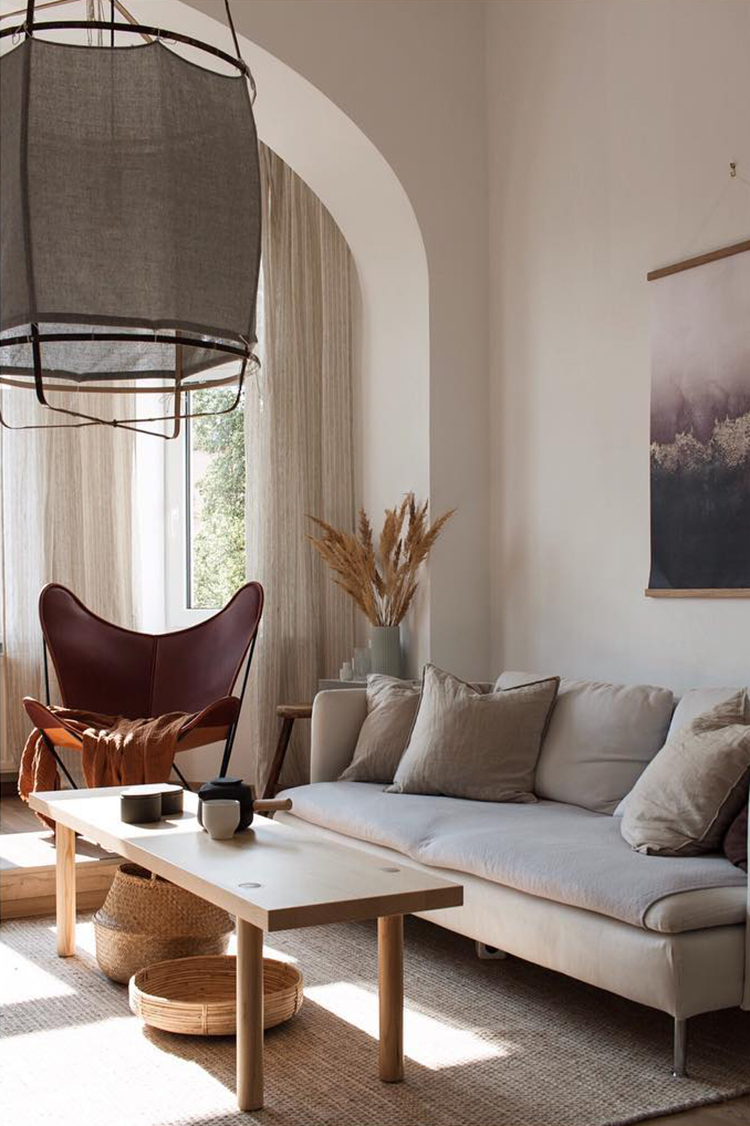 The warm and cozy home of Lucie of The Aesthetic Eye. Photo by Lucie Vacková