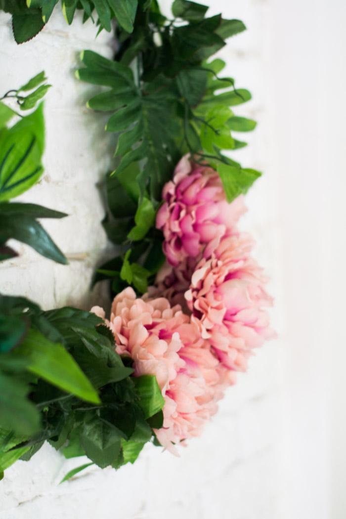 Corona flores artificiales cuadrada