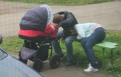 बच्चे पालना कोई बच्चों का खेल नहीं है, तस्वीरें देखकर ये बात आप भी समझ जायेंगे