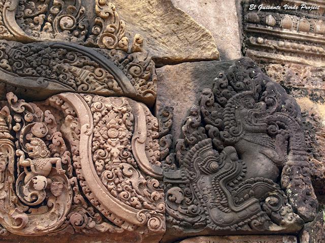 Banteay Srei, gopura del este, segundo recinto, frontón uno, detalle - Angkor, Camboya por El Guisante Verde Project